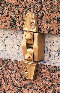 Fermeture Columbariums Bronze - Clé spéciale SANSONE Municipalités